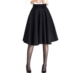 H&M Black Circle Skirt with Pockets